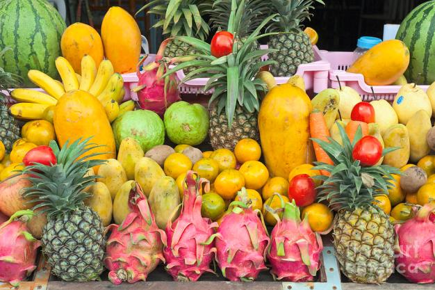 tropical-fruit-display-stefano-baldini